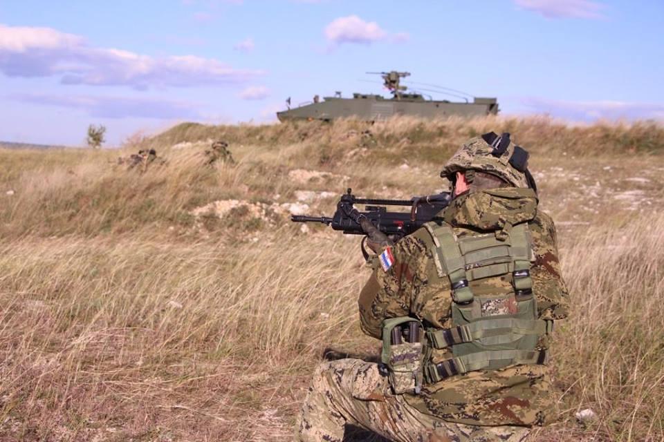 Forces Armées Croates /Croatian military /Oružane Snage Republike Hrvatske - Page 5 429