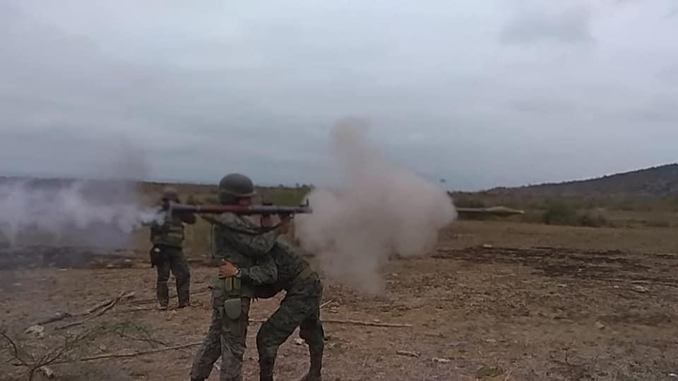 Armée Equatorienne/Fuerzas Armadas del Ecuador - Page 5 43105