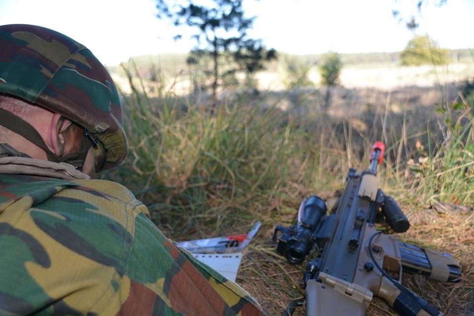 Armée Belge / Defensie van België / Belgian Army  - Page 17 435