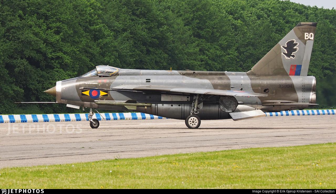Photos d'avions militaires - Page 28 43a22