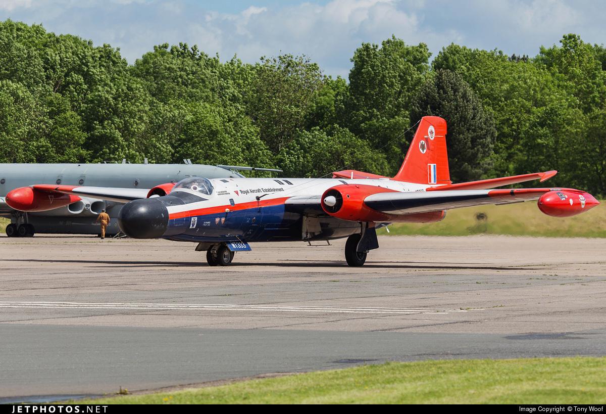 Photos d'avions militaires - Page 28 44118