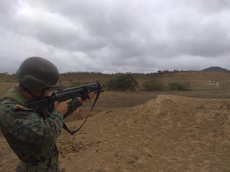 Armée Equatorienne/Fuerzas Armadas del Ecuador - Page 5 4597