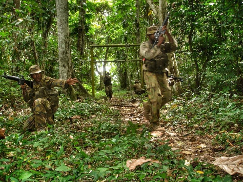 Force de défense de Papouasie Nouvelle-Guinée  / Papua New Guinea Defence Force (PNGDF) 48a18