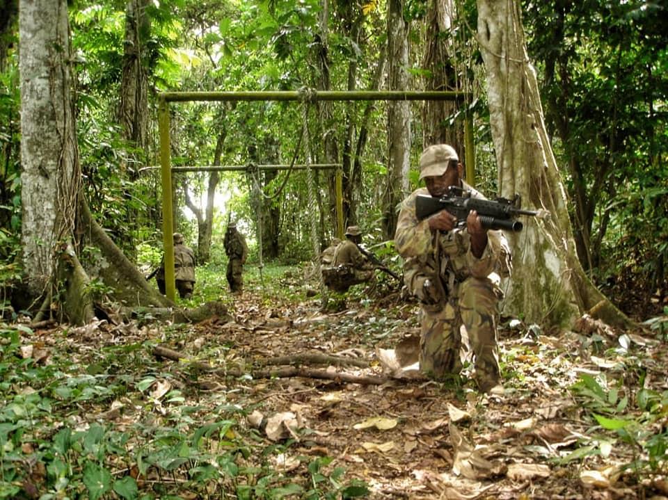 Force de défense de Papouasie Nouvelle-Guinée  / Papua New Guinea Defence Force (PNGDF) 48c25