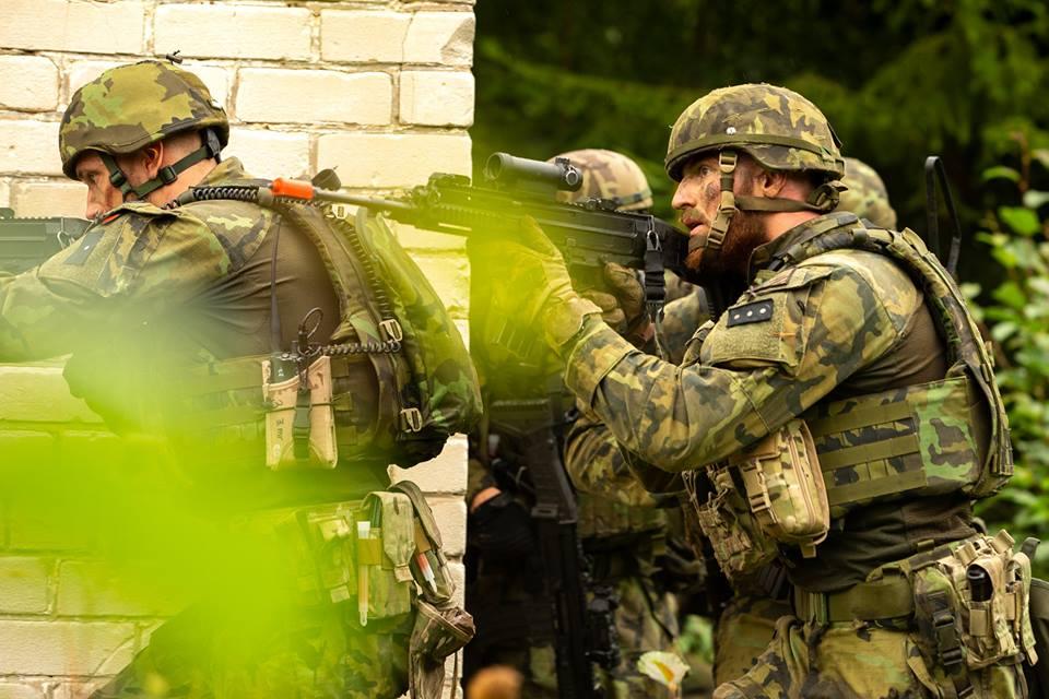 Armée tchèque/Czech Armed Forces - Page 11 48e22