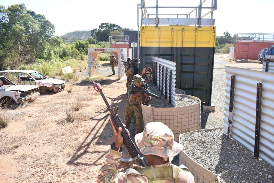 Force de défense de Papouasie Nouvelle-Guinée  / Papua New Guinea Defence Force (PNGDF) 48f10