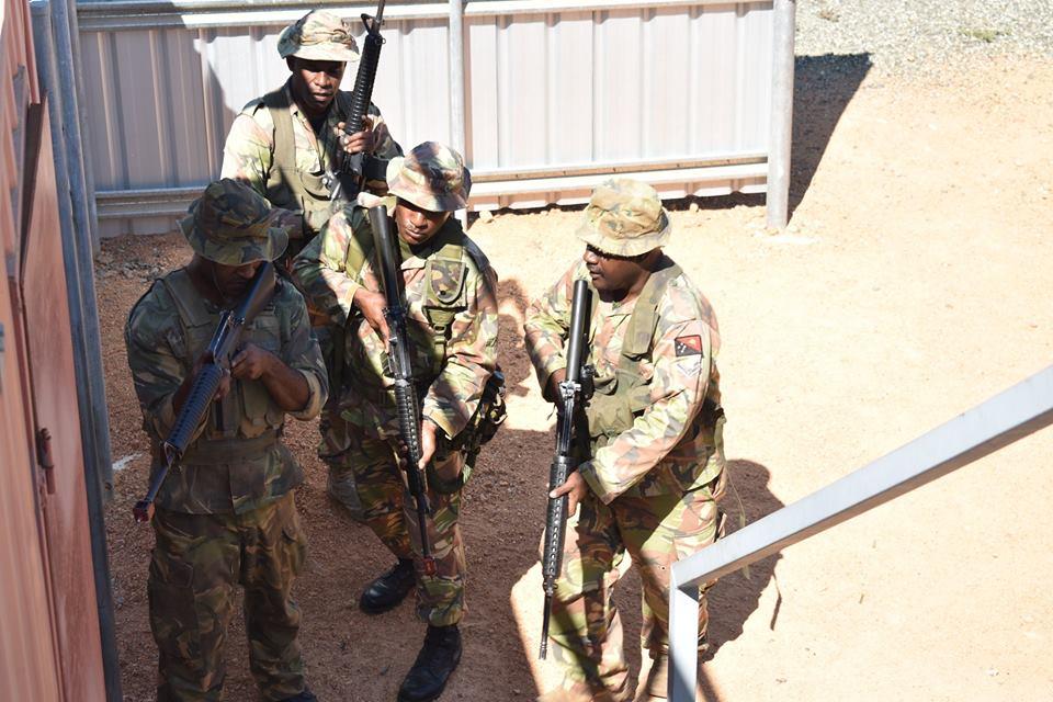 Force de défense de Papouasie Nouvelle-Guinée  / Papua New Guinea Defence Force (PNGDF) 48g10