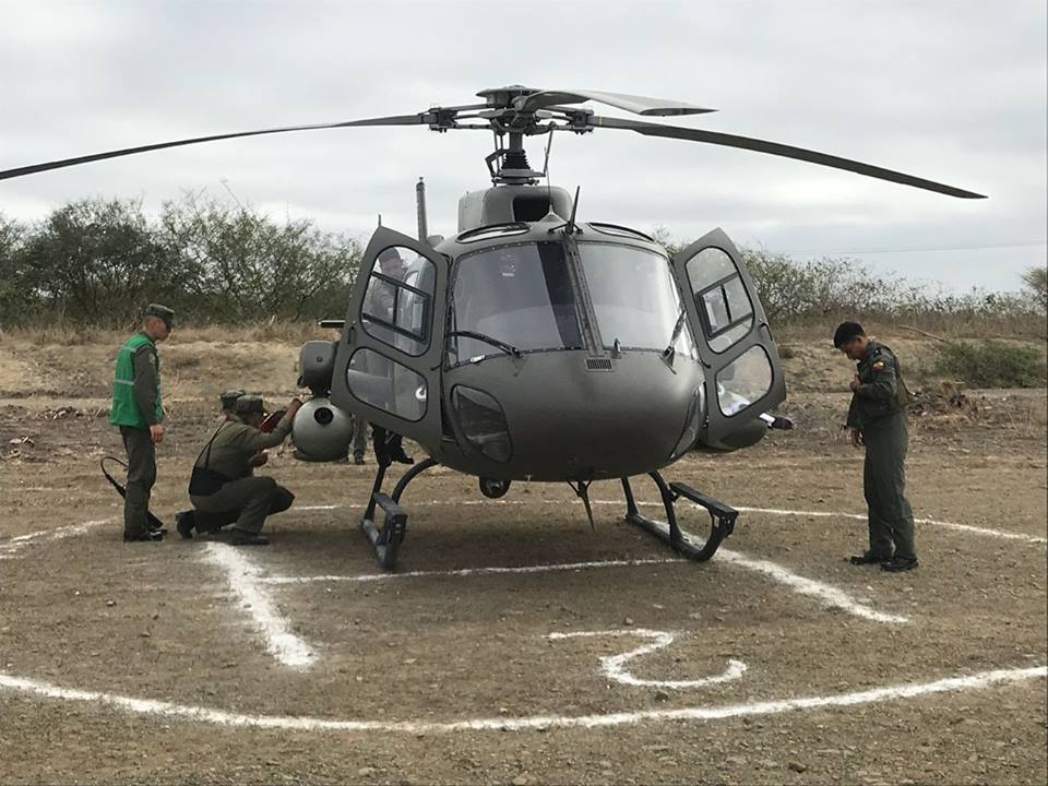 Armée Equatorienne/Fuerzas Armadas del Ecuador - Page 6 48i26