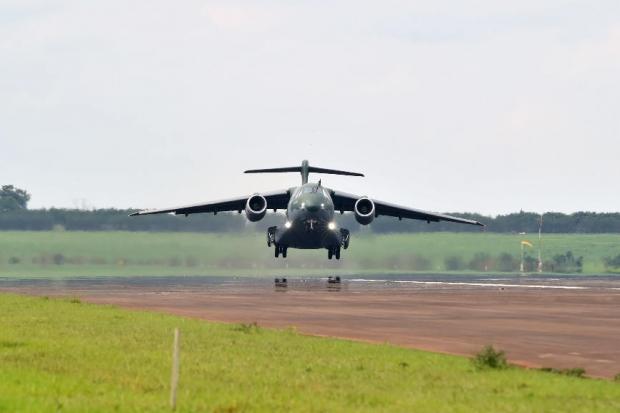 Avions de transport tactique/lourd - Page 6 6a24