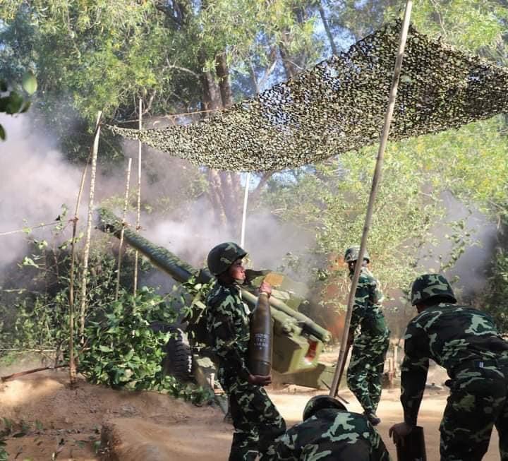 L'Armée populaire lao / forces armées du Laos 9111