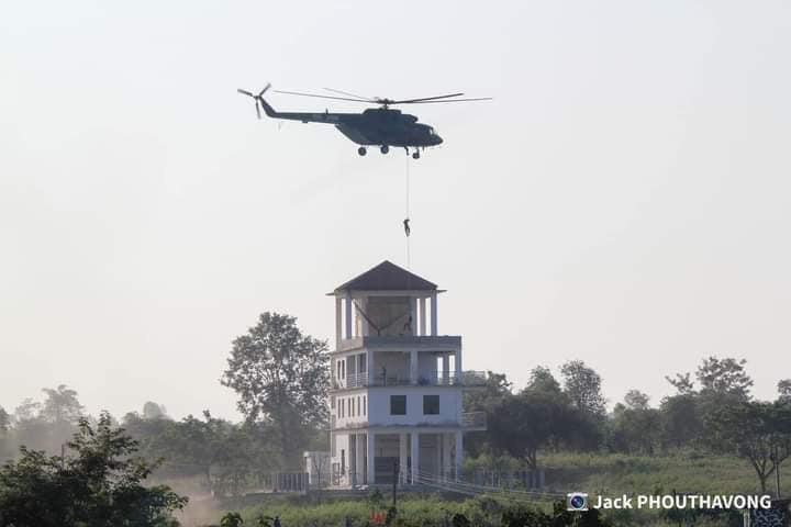 L'Armée populaire lao / forces armées du Laos 9a64