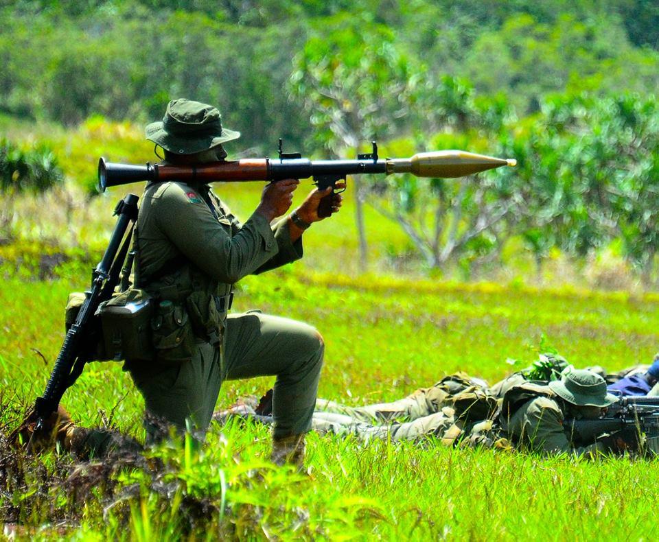 Les Forces militaires de la République des Fidji  /Republic of Fiji Military Forces (RFMF) 9f20