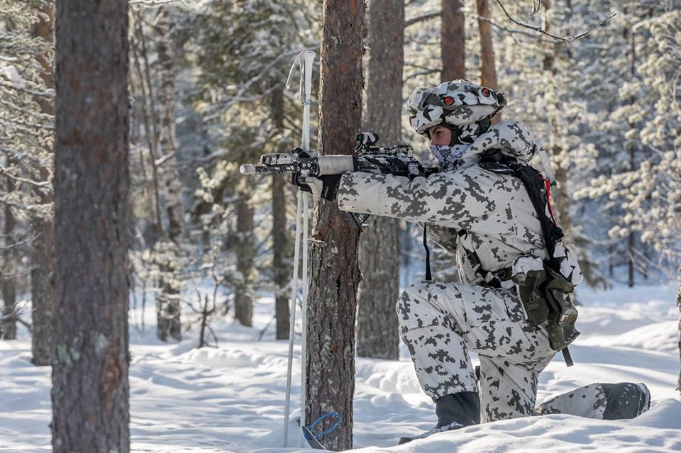 Armée Finlandaise / Finnish Defence Forces / puolustusvoimat - Page 10 _058