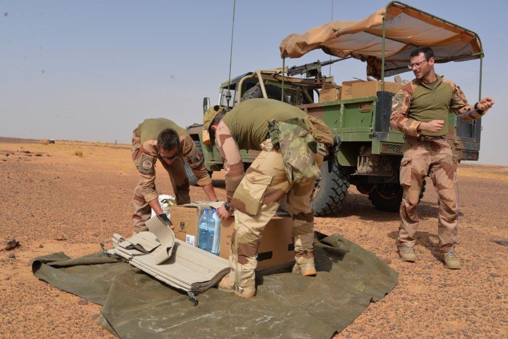 le Sahel zone de non-droit - Page 28 _0acma10