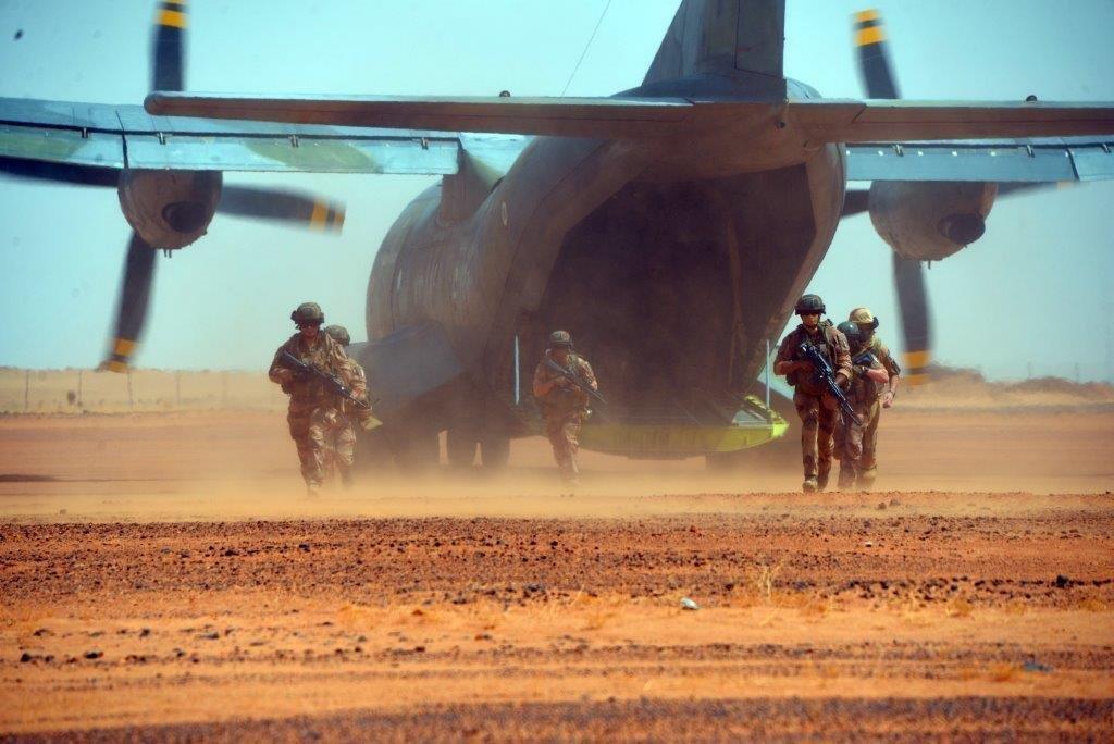 le Sahel zone de non-droit - Page 28 _0air10