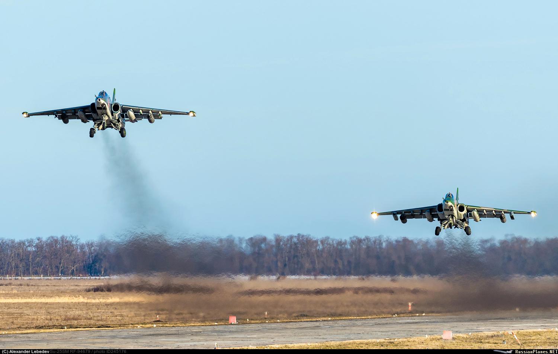 Su-25 (Frogfoot) _10_t-17