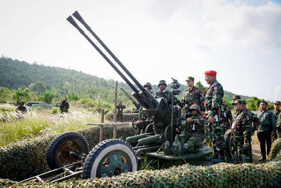 Royal Cambodian Armed Forces - Page 2 _10_t-70