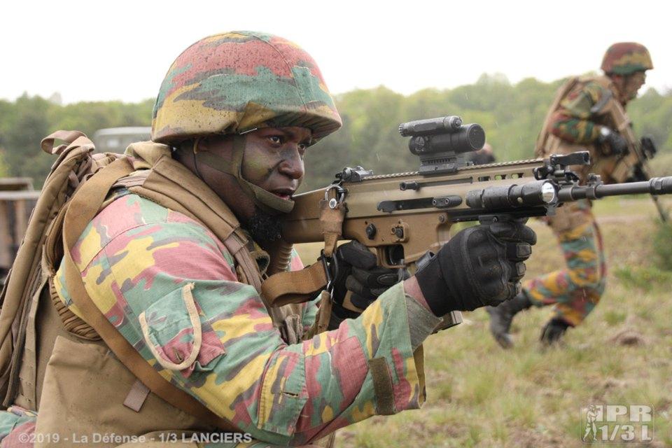 Armée Belge / Defensie van België / Belgian Army  - Page 21 _10_t-75