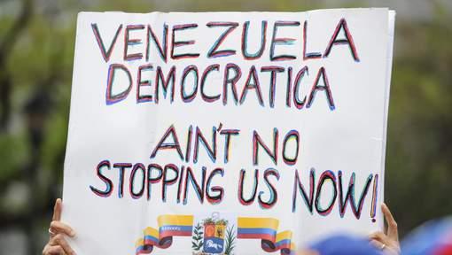 """""""Revolucion"""" au Venezuela ? - Page 3 _11b33"""