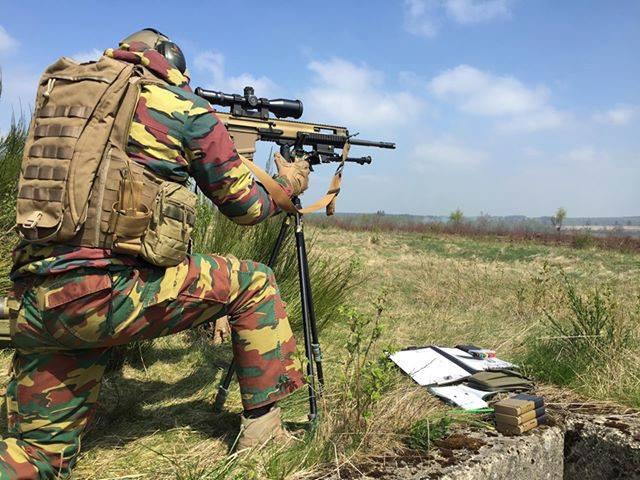 Armée Belge / Defensie van België / Belgian Army  - Page 20 _11b34