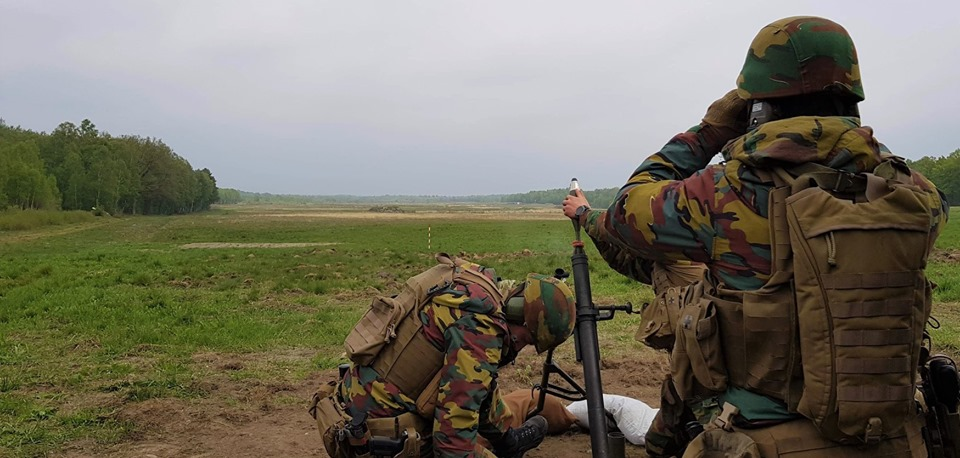 Armée Belge / Defensie van België / Belgian Army  - Page 20 _11b41