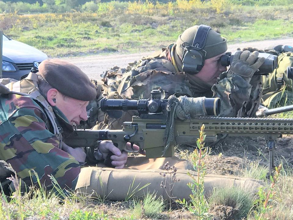 Armée Belge / Defensie van België / Belgian Army  - Page 20 _11c39