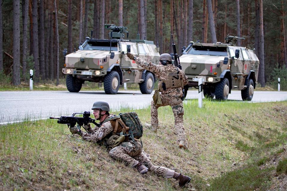 Armée Allemande (Bundeswehr) - Page 9 _11c52