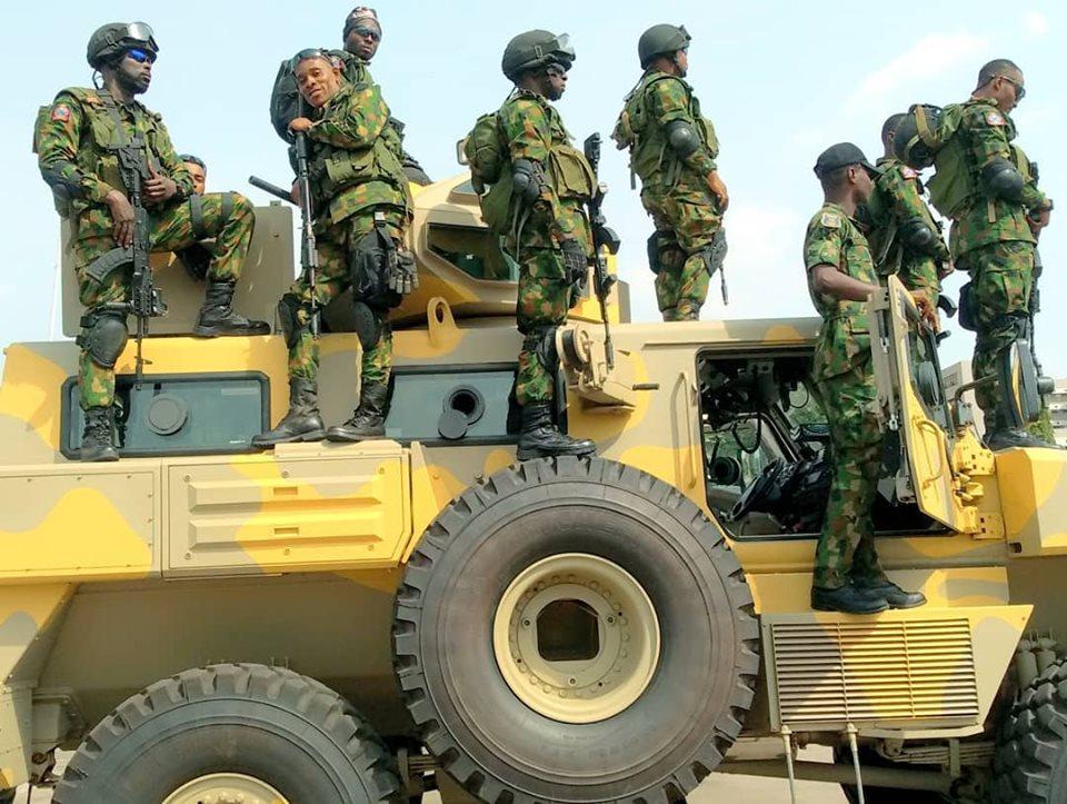 Armée Nigériane / Nigerian Armed Forces - Page 14 _11djp22