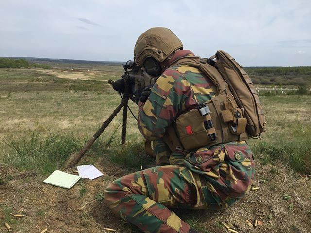 Armée Belge / Defensie van België / Belgian Army  - Page 20 _11djp23