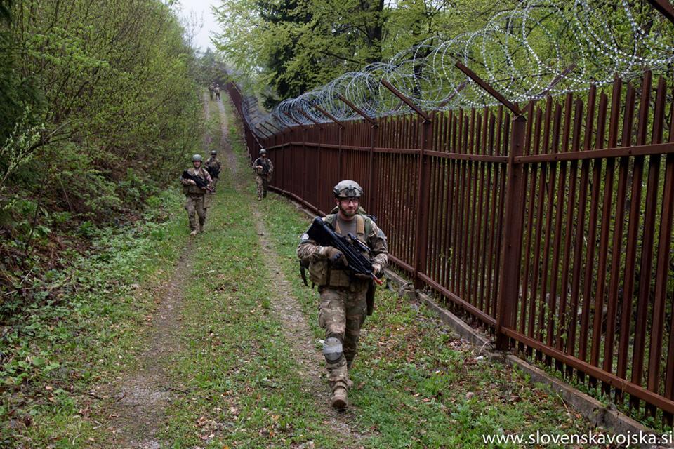 Slovenian Armed Forces / Slovenska vojska - Page 3 _11djp27