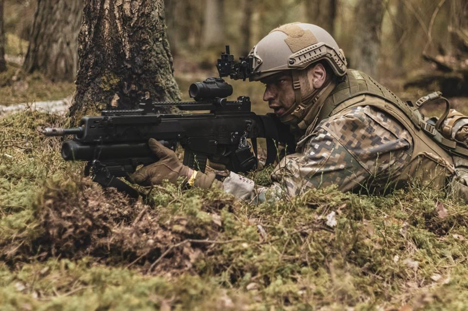 l'Armée Lettone \ Latvian Armed Forces - Page 2 _11ejp10