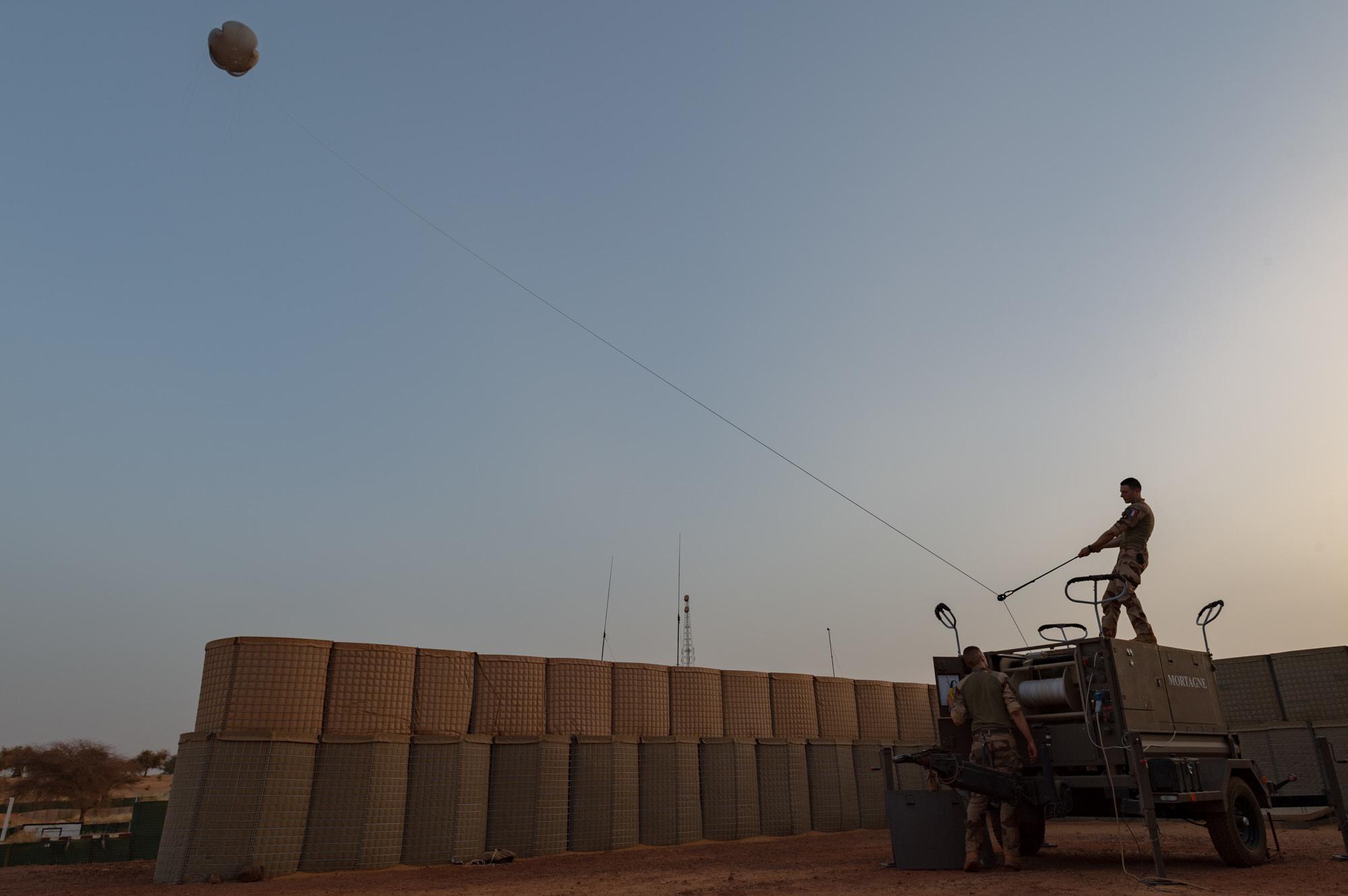 Intervention militaire au Mali - Opération Serval - Page 20 _11ejp12