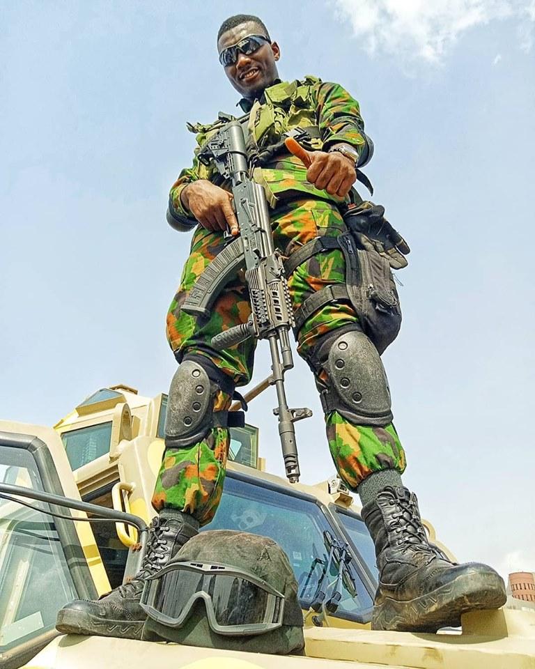 Armée Nigériane / Nigerian Armed Forces - Page 14 _11ejp19