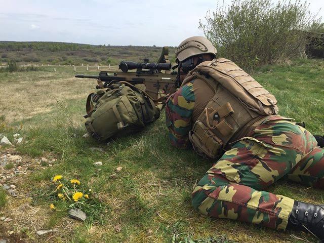 Armée Belge / Defensie van België / Belgian Army  - Page 20 _11ejp21