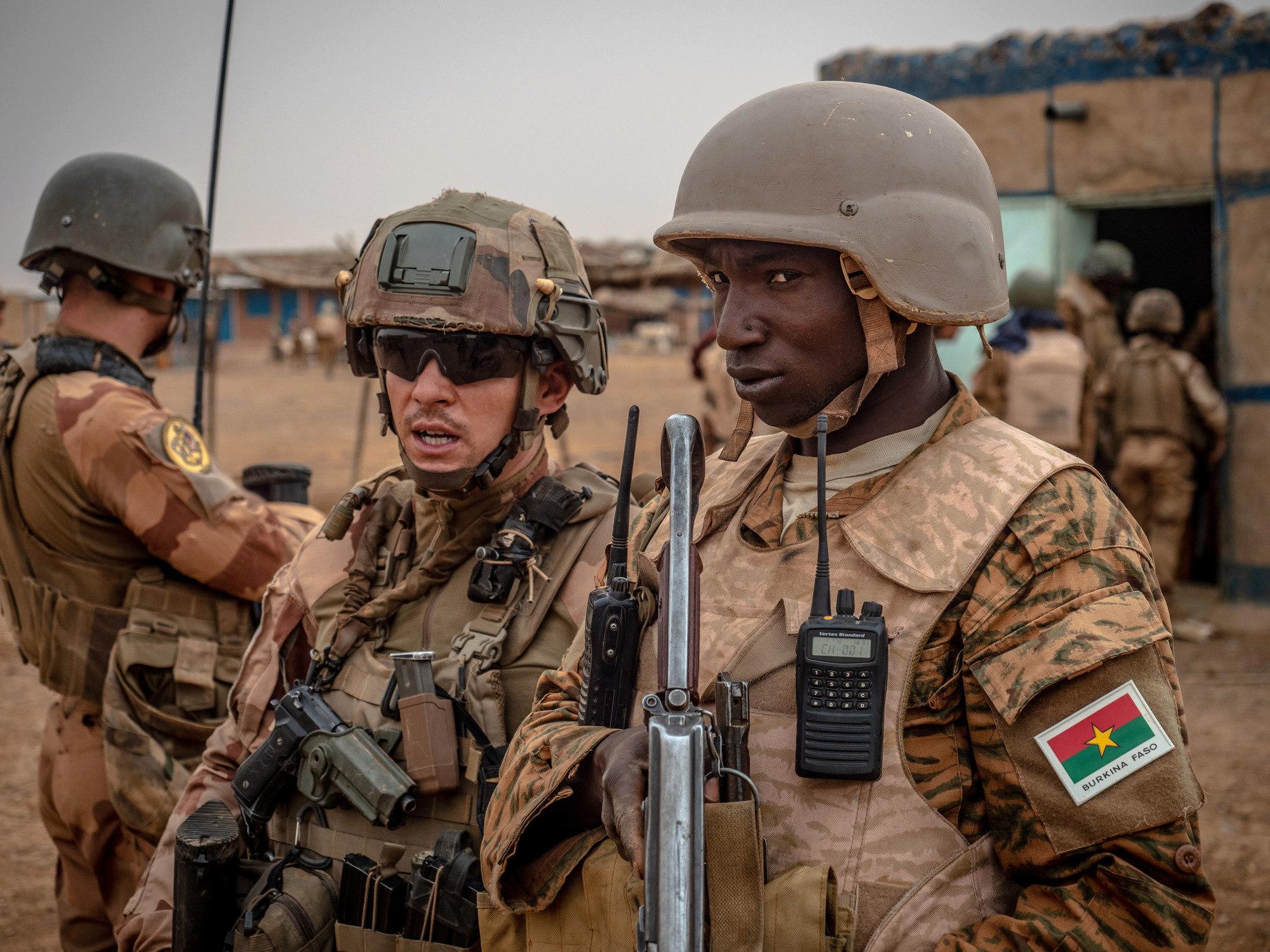 le Sahel zone de non-droit - Page 28 _11jjp21