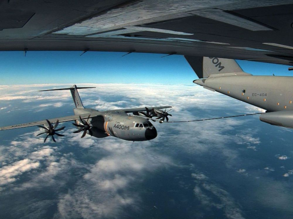 Airbus A400M - Page 18 _12a027