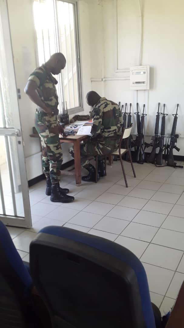 Armée Sénégalaise - Page 10 _12a029