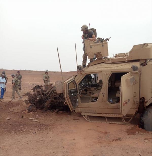 le Sahel zone de non-droit - Page 28 _12a135