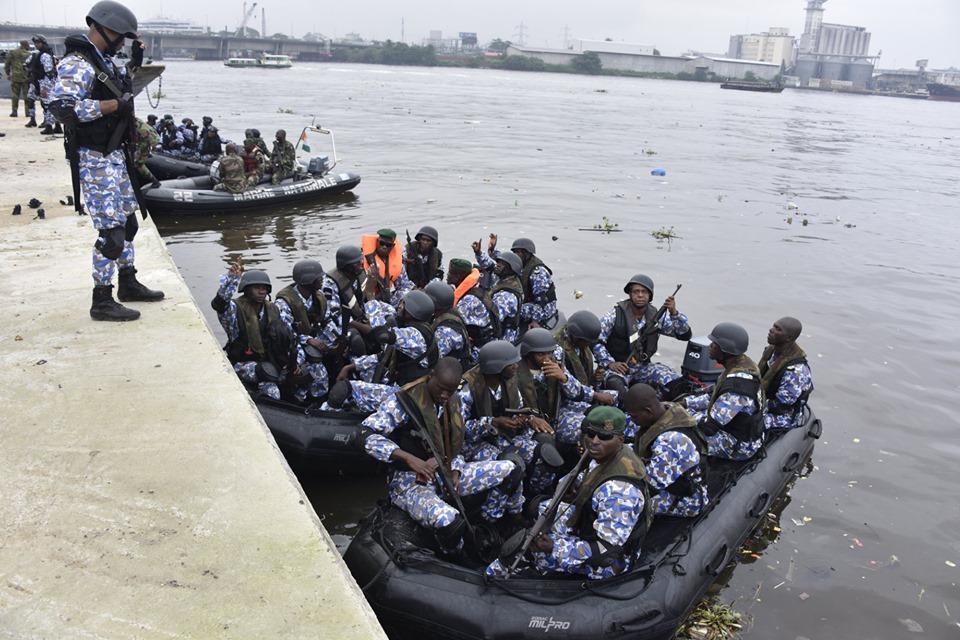 Les Forces de défense et de sécurité de Côte d'Ivoire - Page 6 _12a162