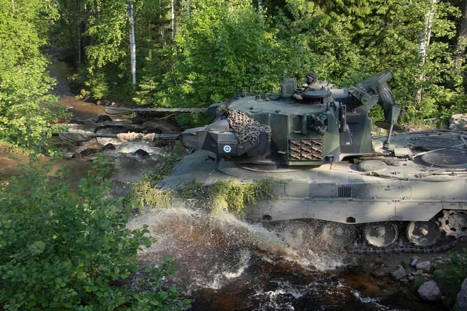 Armée Finlandaise / Finnish Defence Forces / puolustusvoimat - Page 10 _12a240