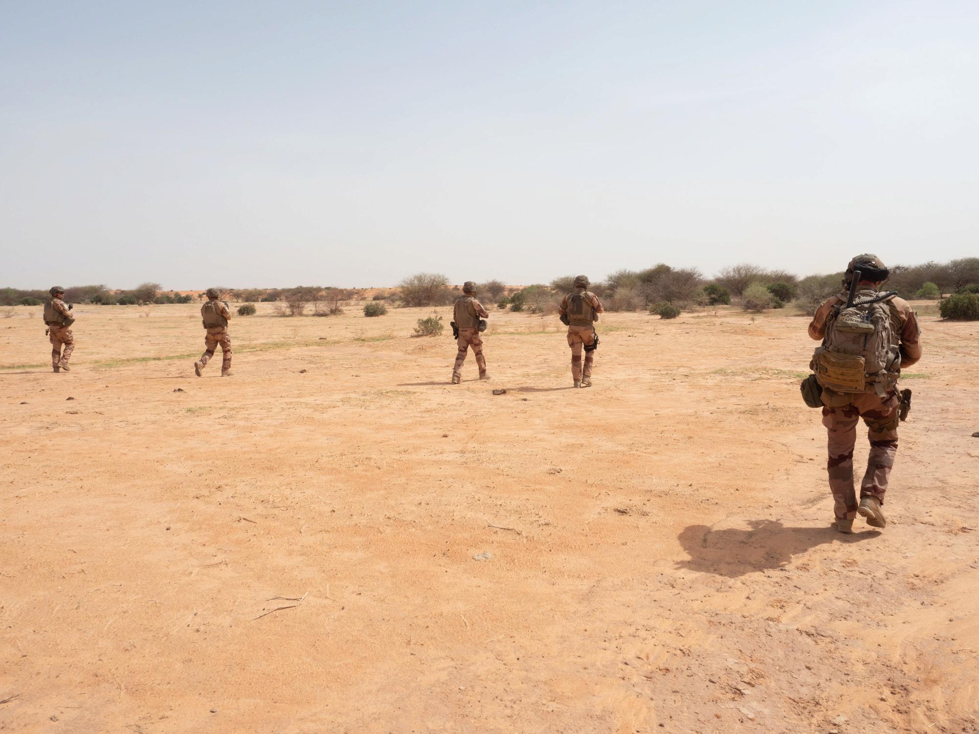 le Sahel zone de non-droit - Page 28 _12a357