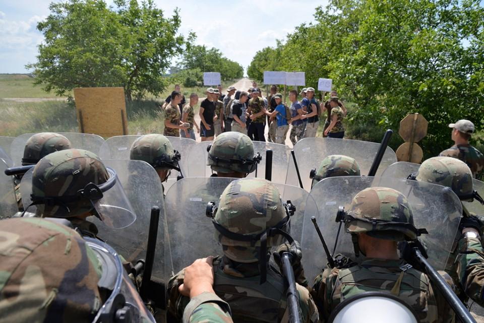 Forces armées moldaves - Page 2 _12a358