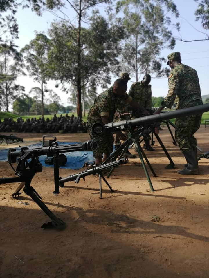 Armée Ougandaise/Uganda Peoples Defence Force (UPDF) - Page 5 _12a360