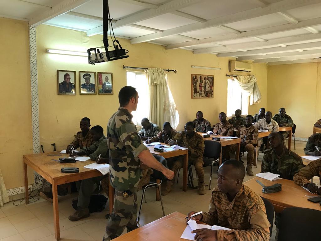 Armée nationale Burkinabé / Military of Burkina Faso - Page 4 _12a422