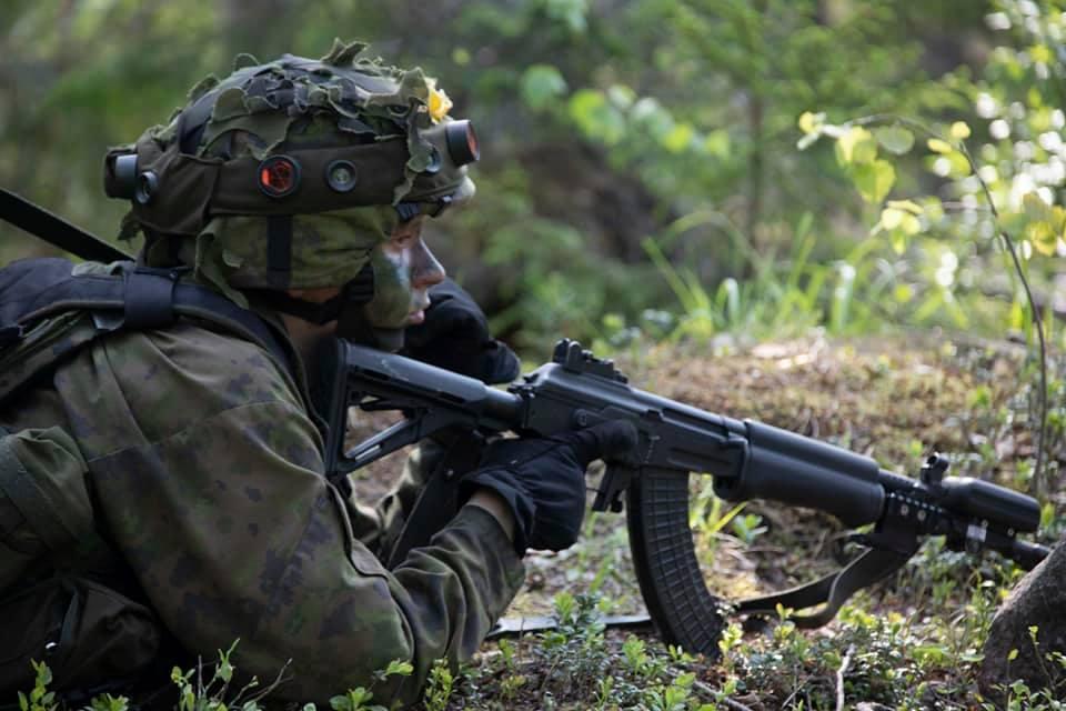 Armée Finlandaise / Finnish Defence Forces / puolustusvoimat - Page 10 _12a435