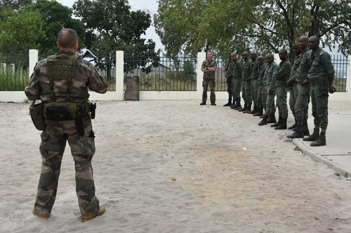 Armée Congolaise / Armed Forces of the Congo-Brazzaville _12a530