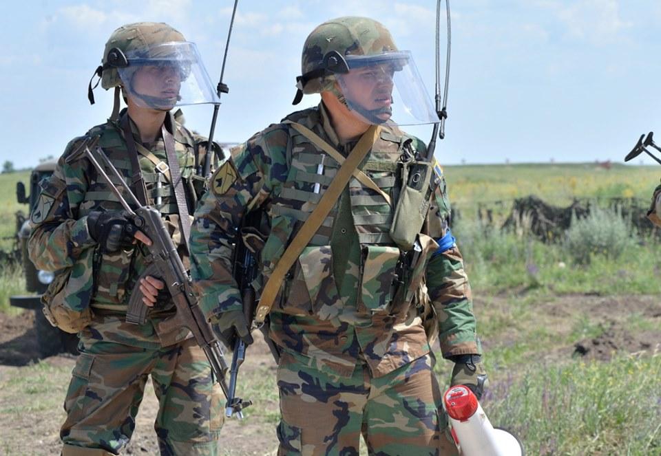 Forces armées moldaves - Page 2 _12a531