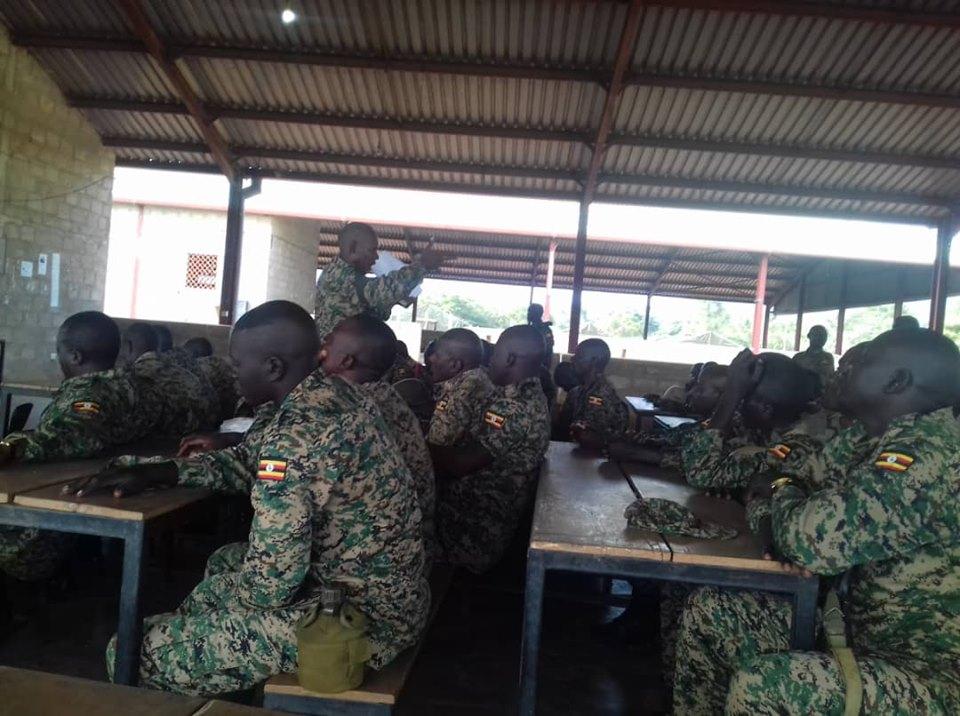 Armée Ougandaise/Uganda Peoples Defence Force (UPDF) - Page 5 _12a533