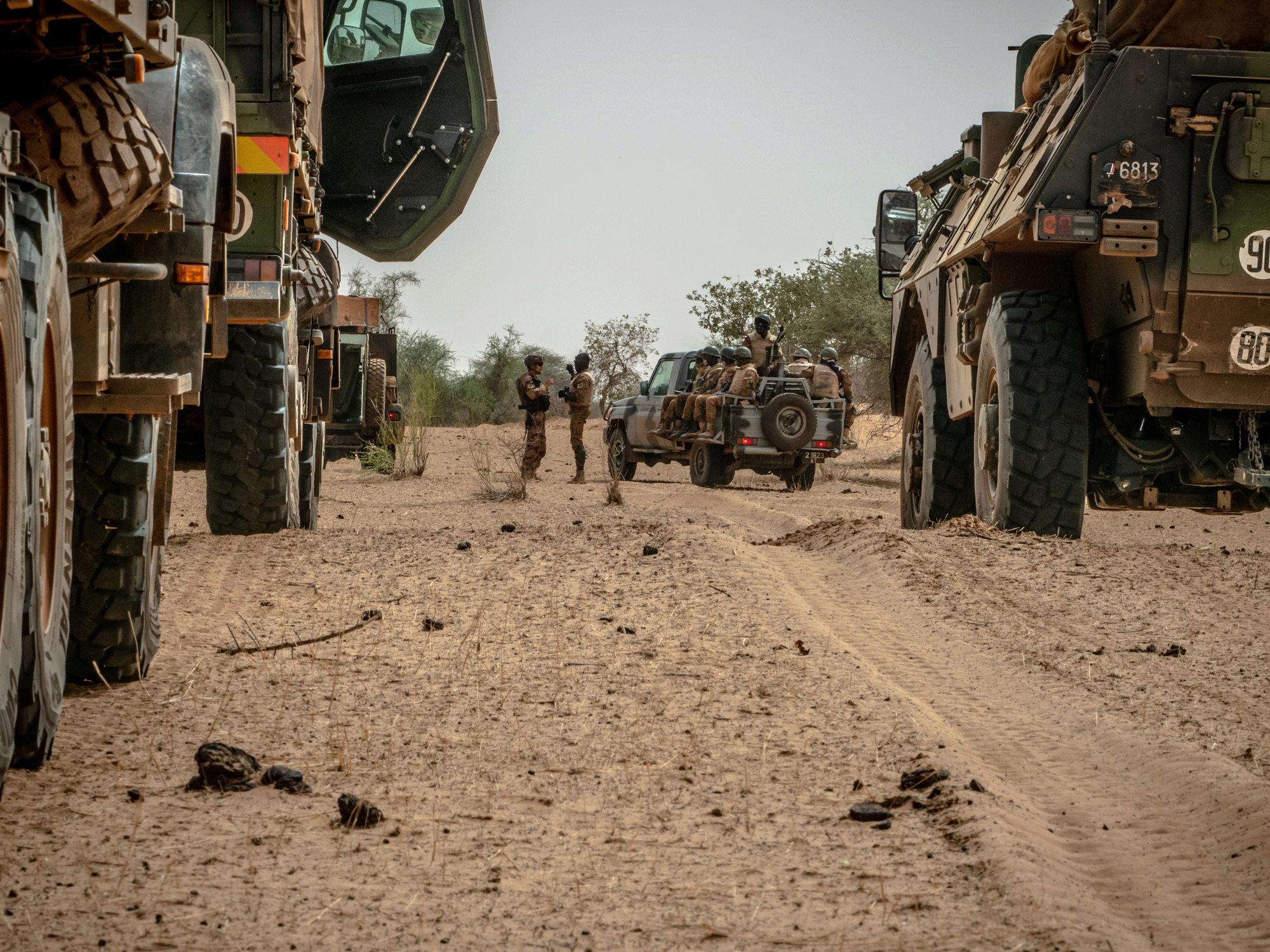 le Sahel zone de non-droit - Page 28 _12a59