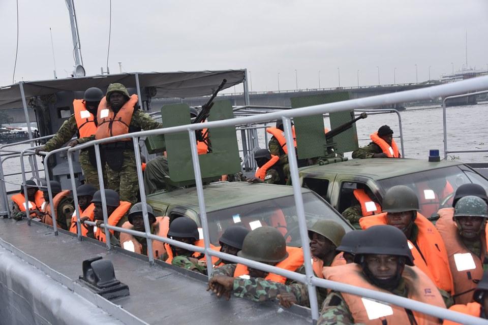 Les Forces de défense et de sécurité de Côte d'Ivoire - Page 6 _12a93